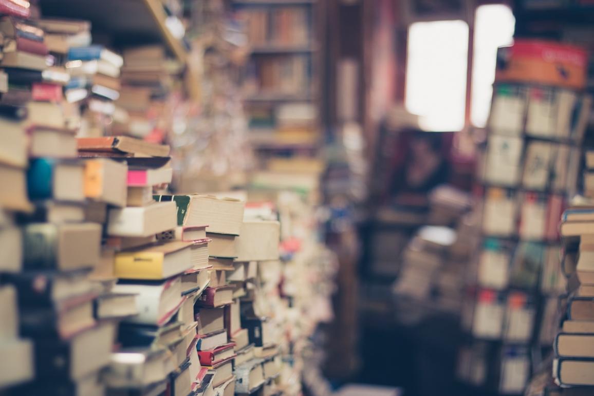 Escolher Livros é uma Tarefa Desafiante (2018)